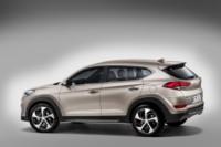 foto: Hyundai-Tucson-2015-Exterior estudio lateral 2 [1280x768].jpg